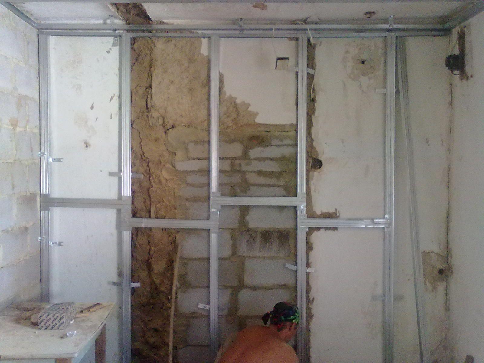 Kako lepiti suhega zidu na gline stene