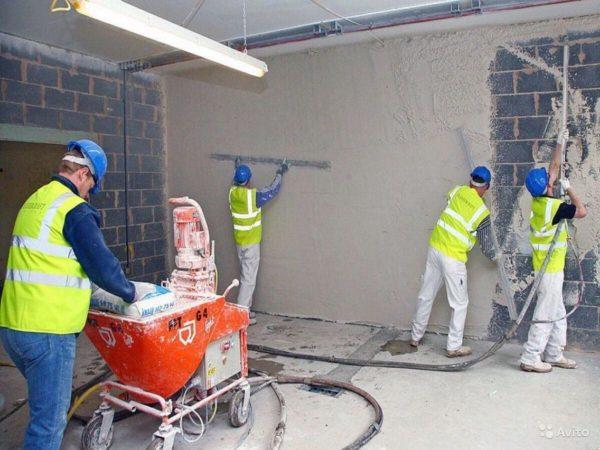 Профессиональная штукатурка керамзитобетонной стены набрызгом