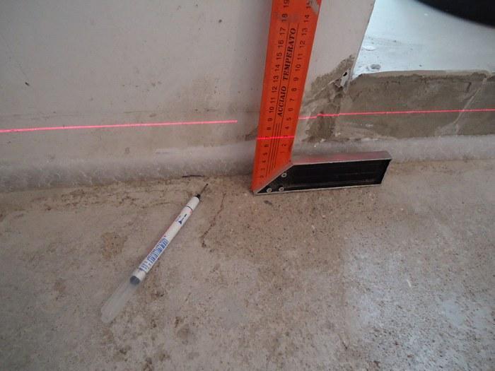 Наиболее популярный метод — работа с помощью лазерного уровня