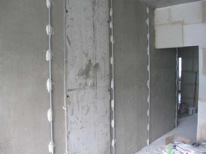 Штукатурные маяки позволяют упростить процесс выравнивания стен
