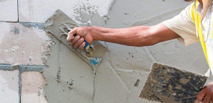 Штукатурка – недорогой и эффективный способ защитить стены из газобетона