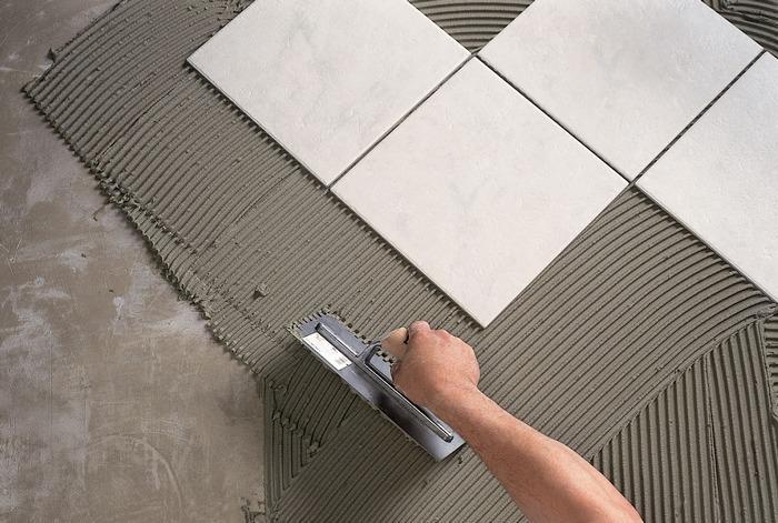 Штукатурку под плитку в ванной выполняют часто цементно-песчаными растворами