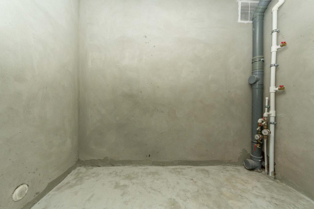 Готовая отделка под плитку в ванной комнате
