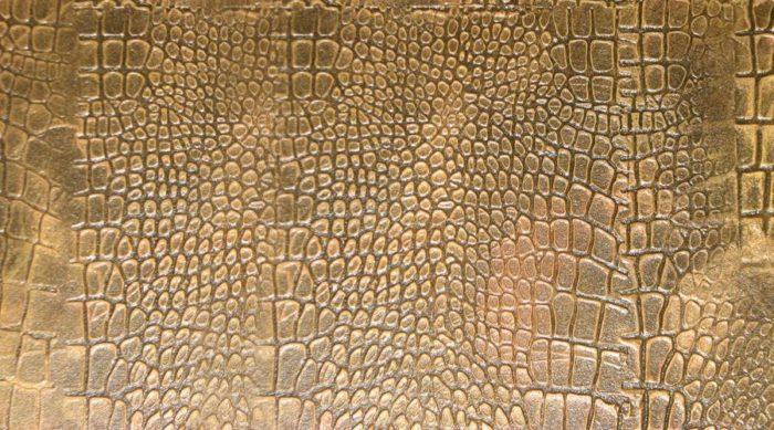 Современными декоративными штукатурками можно имитировать кожу