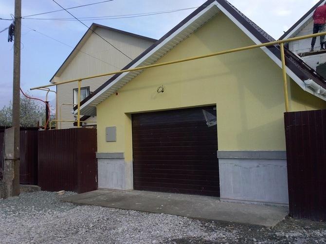 Оштукатуренный фасад защищает здание от осадков