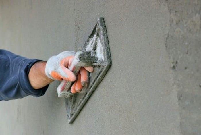 Улучшенная песчано-цементная штукатурка