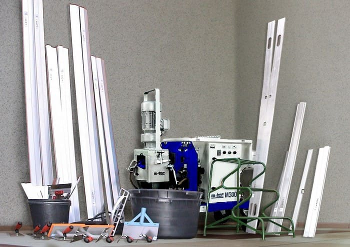 Инструмент и материалы для штукатурки стен