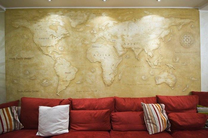 Карта мира приносит в обстановку дух путешествий