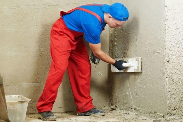 По виду готового покрытия отделка может быть черновая, среднего качества и высококачественная