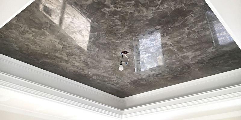 Натяжной потолок с эффектом мраморной поверхности придаст изюминку любому интерьеру