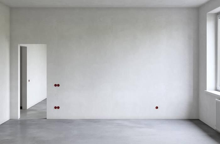 Поверхность стен должна быть ровной, гладкой и прочной