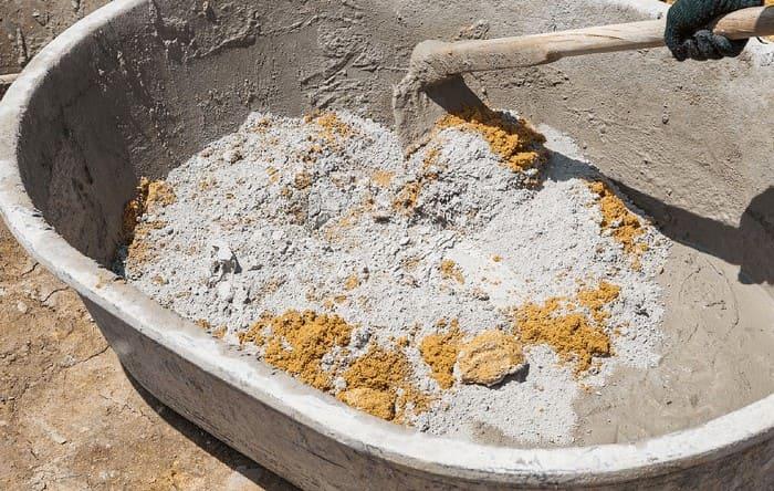 Приготовление цементного раствора сильно зависит от марки цемента и необходимого раствора