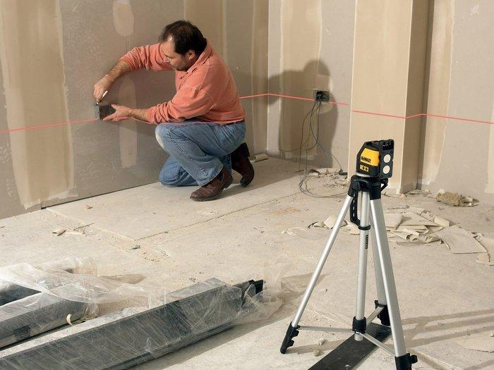 Из современных средств для разметки применяют лазерный уровень