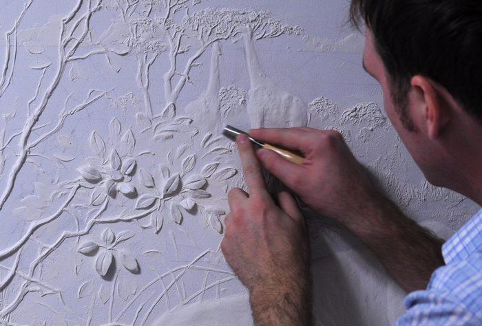 Нанесение объемных рисунков воплощает в жизнь придуманный дизайн