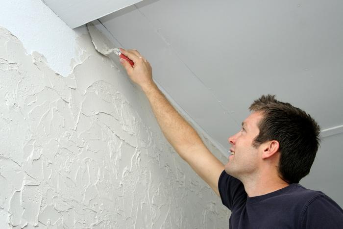 Правильно наносить декоративную штукатурку на стены не сложно