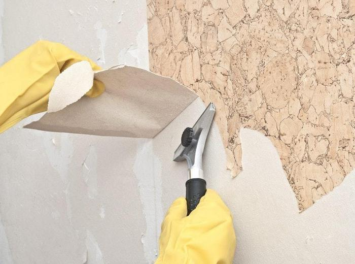 Перед нанесением декоративного состава необходимо тщательно подготовить стены