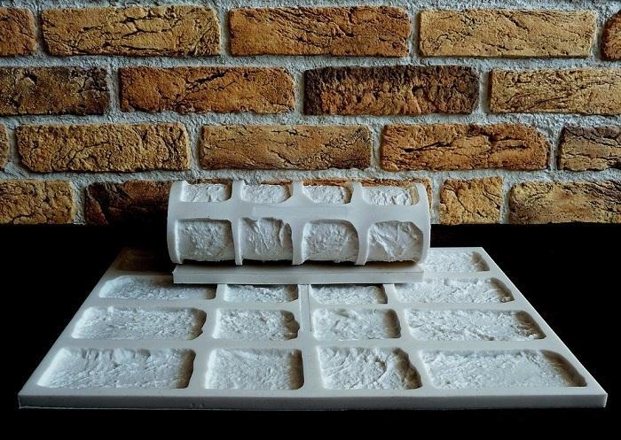 Имитировать натуральный или искусственный камень можно с помощью оттисков