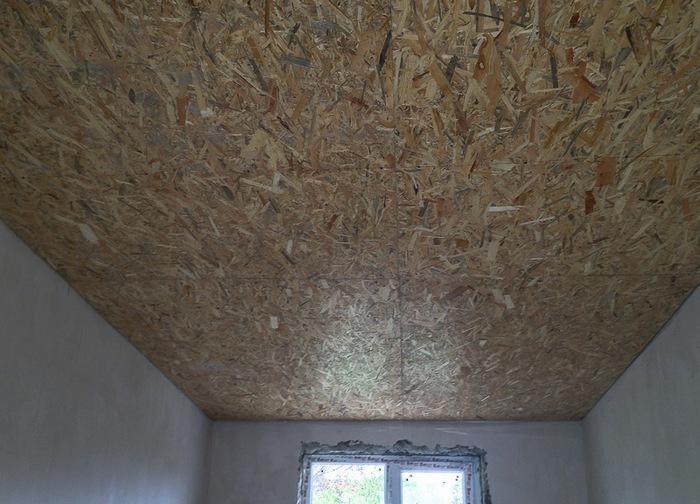 Нанесение шпатлёвки на потолок имеет свои нюансы