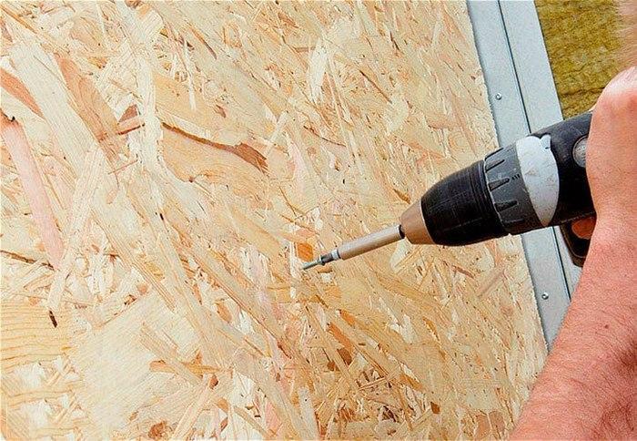 После выполнения монтажа листов OСБ на стены, можно приступать к подготовке их для дальнейшей отделки