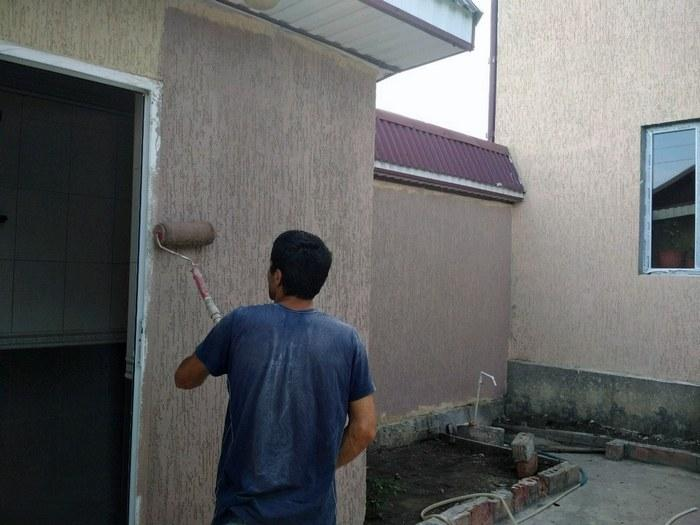 Нанесённый раствор можно красить фасадными красками с силиконовыми красителями