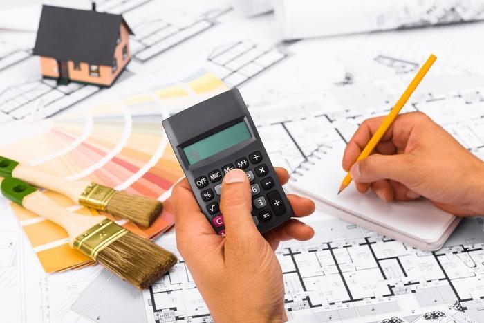 Обязательным этапом в отделочных работах становится точное планирование расходов на материалы