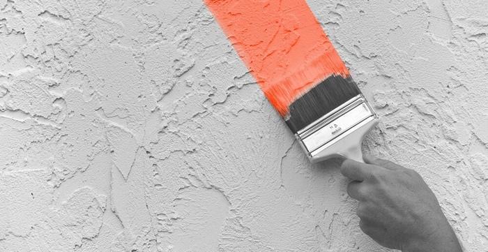 Оживить интерьер поможет покраска декоративной штукатурки с помощью введения колеров различных оттенков