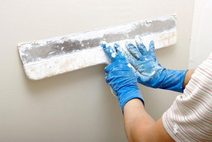 Шпаклевка — это завершающий этап отделки стен перед поклейкой обоев или покраской