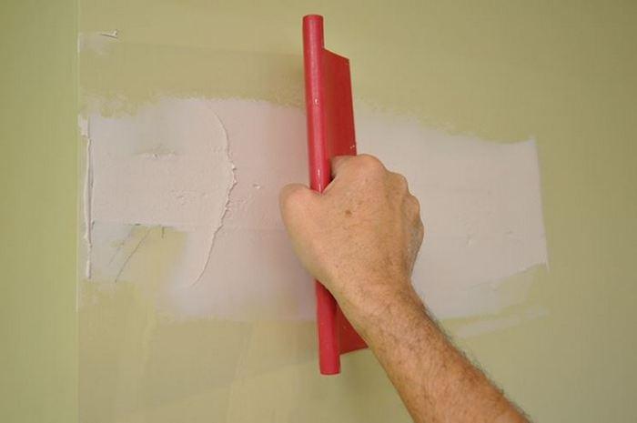 Шпаклевка по старой краске требует тщательной подготовки поверхности