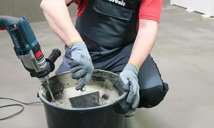 Смешивание всех компонентов раствора выполняется двумя способами – машинным и ручным