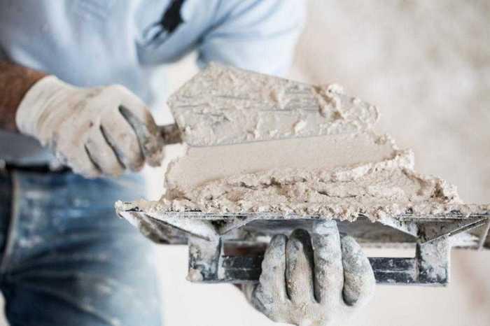 Чтобы понять, какая штукатурка для стен лучше, нужно ознакомиться с требованиями к материалу