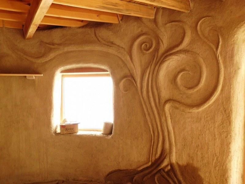 Декоративная глиняная штукатурка пластична, поэтому позволяет создавать любые формы и декорации