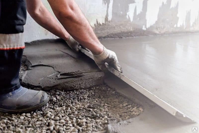 Для стяжки пола чаще всего используют цемент М200 или М300