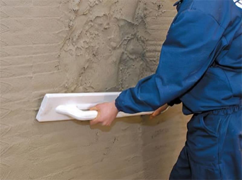 При ремонте своими руками выгоднее использовать штукатурку
