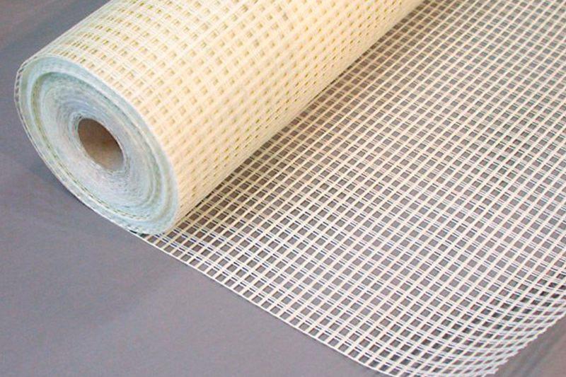 Стекловолоконные сетки своими эксплуатационными показателями намного превосходят пластиковые