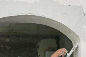 В завершении шпаклюют слоем в 1-2 миллиметра