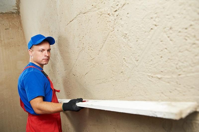 Выравнивание стен позволит избежать перерасхода материала и лишних денежных затрат