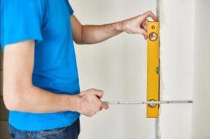 Уровнем промеряют степень ровности углов