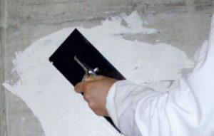 Для базового слоя выбирают раствор белого цвета или основного тона
