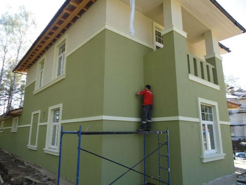 Фасадная штукатурка повышает эксплутационные характеристики здания, придает ему завершенный вид
