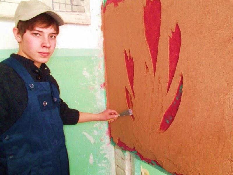 Штукатурку в технике сграффито получают последовательным нанесением тонких слоев цветных растворов