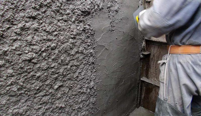 Цементная штукатурка имеет немалый вес, поэтому необходим правильный расчёт нагрузки