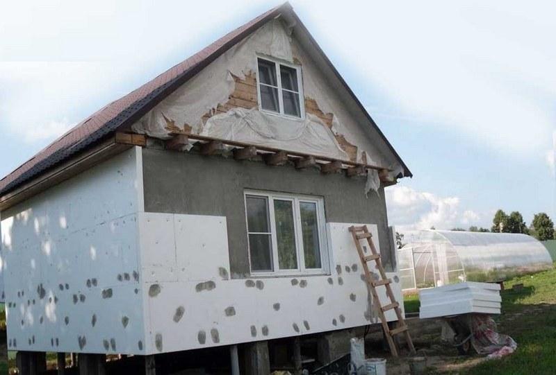 Утепление фасада необходимо для сохранение комфортного микроклимата в помещении