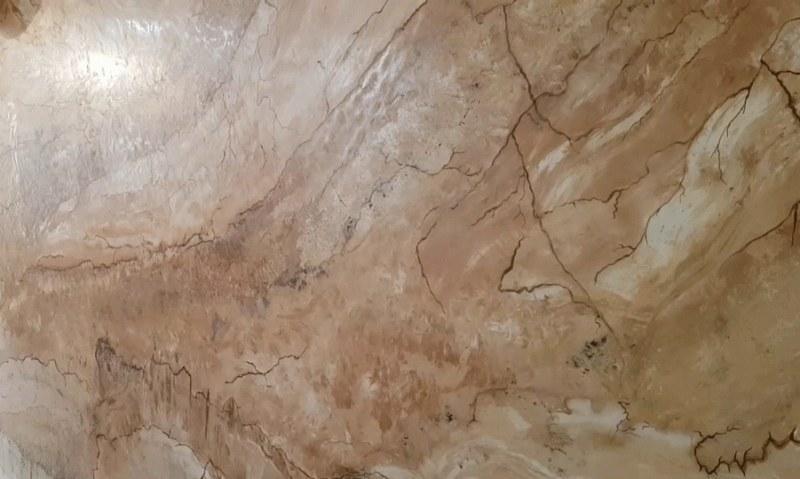 Венецианская штукатурка Тревиньяно создает эффект полированного натурального мрамора