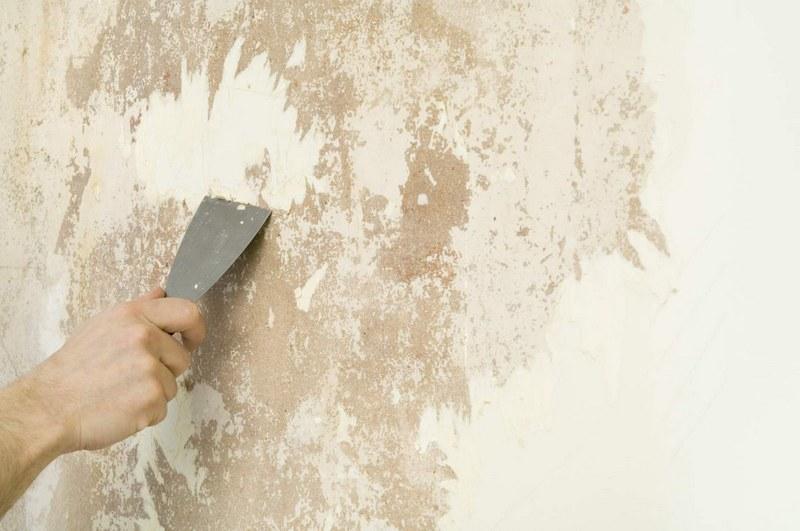 Если качество старого покрытия оставляет желать лучшего — его нужно удалять