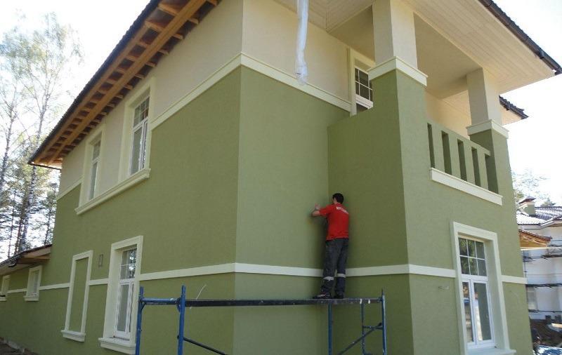 Фасадная штукатурка – один из самых популярных материалов для отделки жилых домов