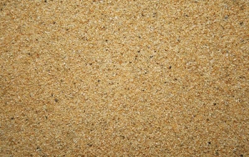 Кварцевый песок получают дроблением горных пород, содержащих кремний