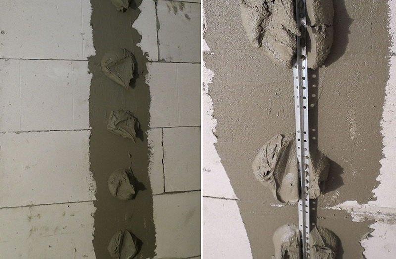 Маячки крепят на стену лепешками из штукатурного раствора