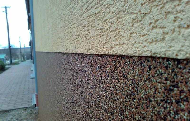 Минеральная штукатурка для фасадов должна обязательно выдерживать воздействие различных природных факторов