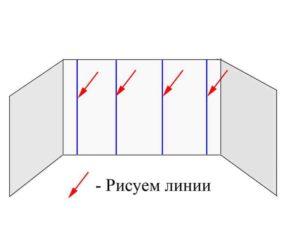 На поверхности чертят вертикальные линии с использованием строительного уровня