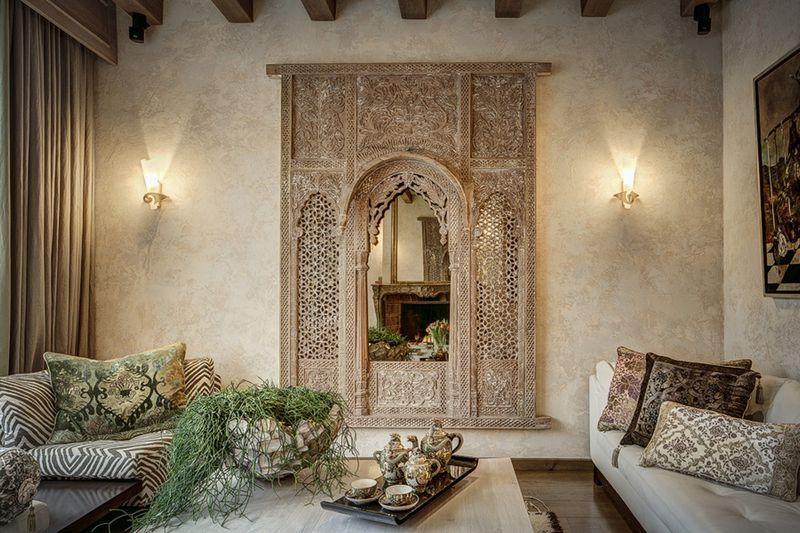Необычный интерьер с марокканской штукатуркой